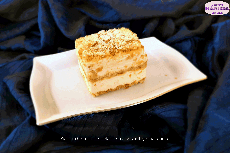 Prajitura Cremsnit - Foietaj, crema de vanilie, zahar pudra.